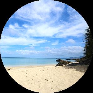 沖縄の綺麗な海もすぐ近く